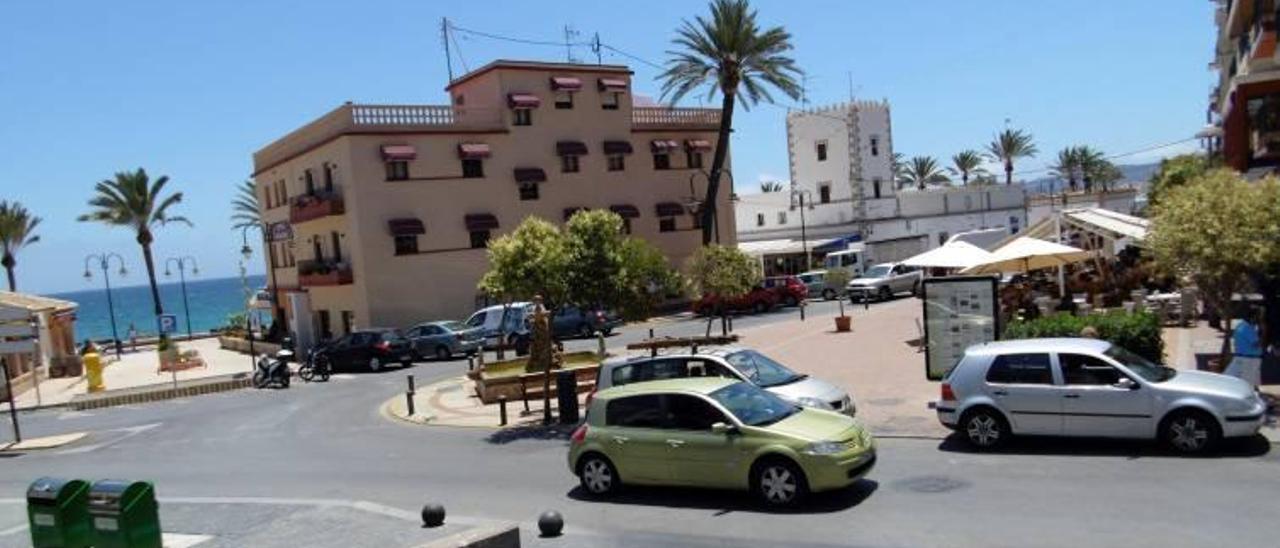 Xàbia le quita una plaza a un militar golpista y se la da a Adolfo Suárez