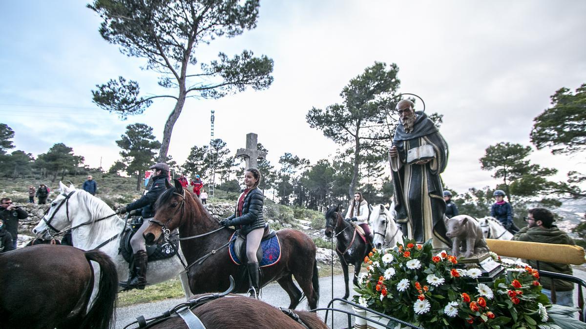 Imagen de archivo de la celebración de la romería a Sant Antoni en Alcoy.