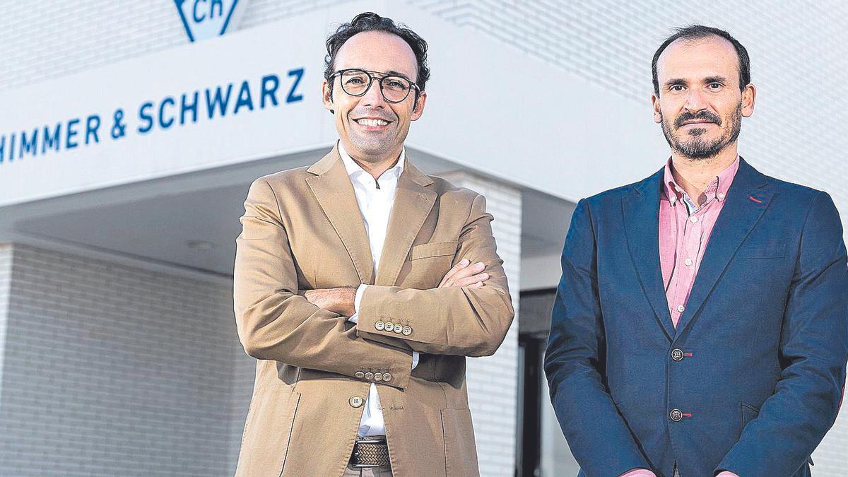 Carlos Vivas y Pedro Hernández, gerentes de Zschimmer & Schwarz España, al frente de la compañía química en Vila-real