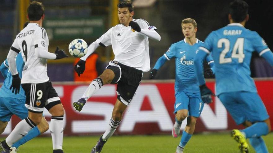 Rafa Mir ya es el segundo máximo goleador nacional