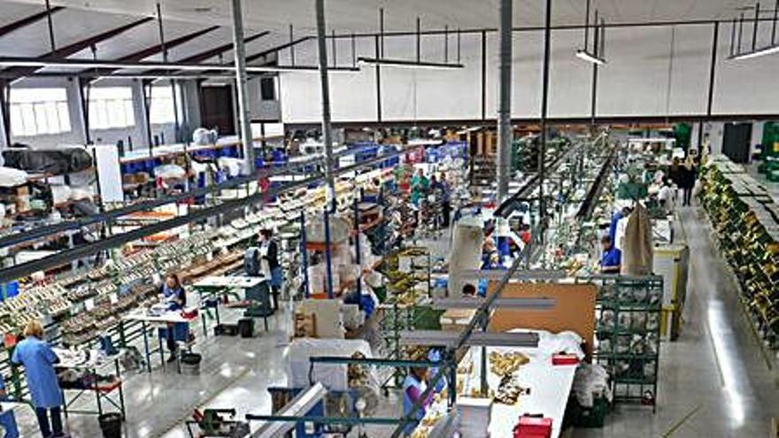 La producción industrial retrocede  un 3,4 % en julio en la C. Valenciana