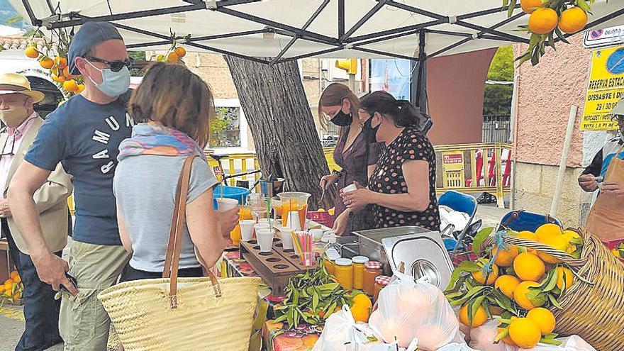 El municipio de Sóller rinde tributo a los cítricos del valle en una reducida Fira de la Taronja