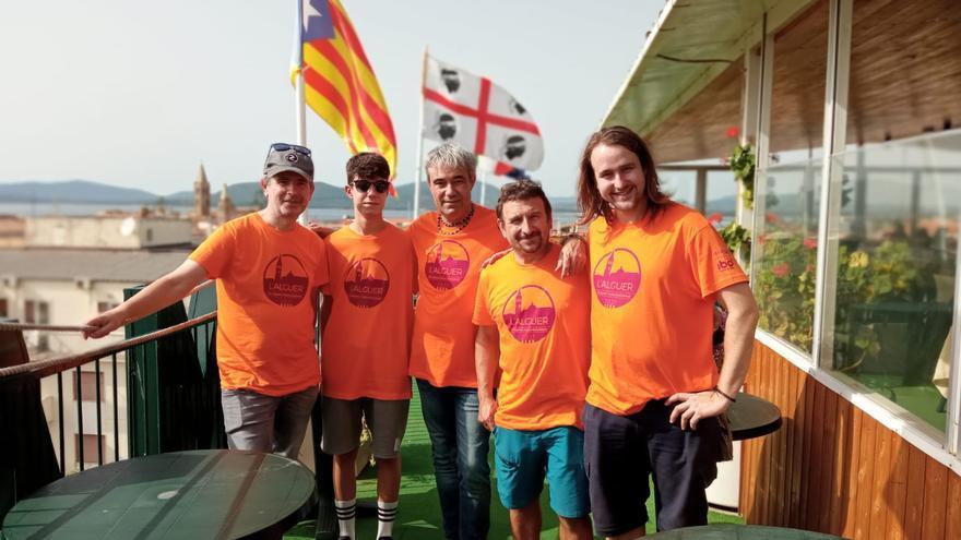 La delegació de bagencs desplaçada a l'Alguer viu amb neguit les hores de detenció de Puigdemont