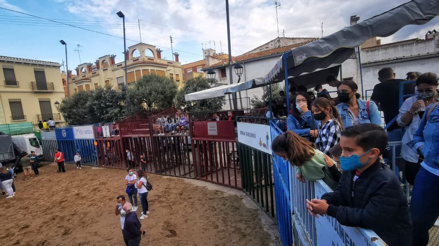 Vídeo | Aficionados taurinos de toda España se dan cita en Almassora