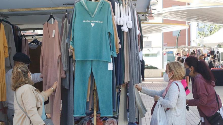 IU y Podemos reclaman más ayudas para el comercio ambulante y que sean ágiles