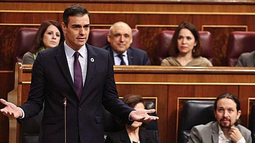 Sánchez qualifica Guaidó de «líder              de l'oposició» i defensa Ábalos