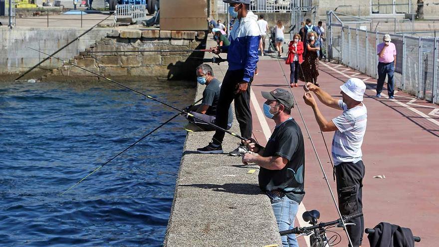 Pescadores deportivos en Vigo