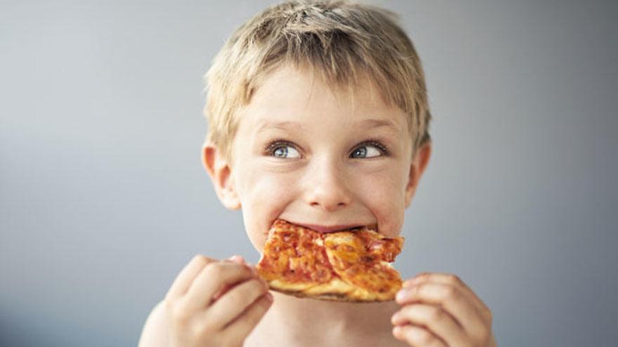 Los errores que cometes al dar de comer a tus hijos