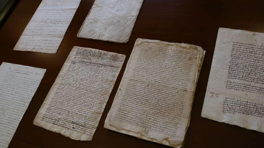 Los franciscanos de Cartagena 'devuelven' documentos al municipio