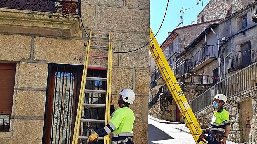 Instalación del cableado de la fibra. | LOZ