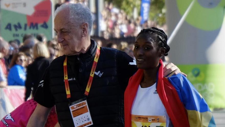 Tropiezo en el asalto a otro récord mundial femenino