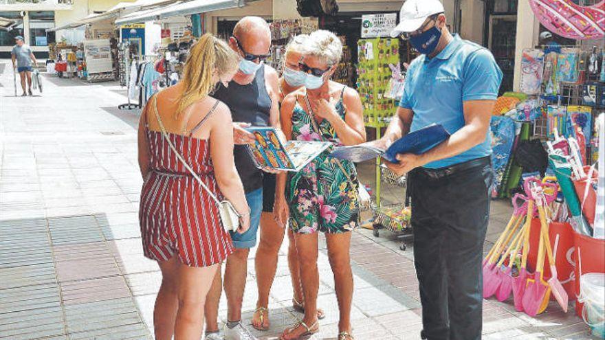 Empresarios de Tenerife piden rapidez para devolver IGIC a los turistas no comunitarios