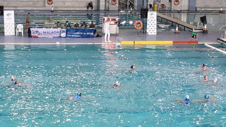 El Waterpolo Málaga estanca su camino al título en la tanda de penaltis