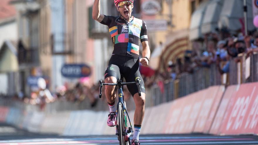 Bettiol vence en solitario en la jornada maratón del Giro