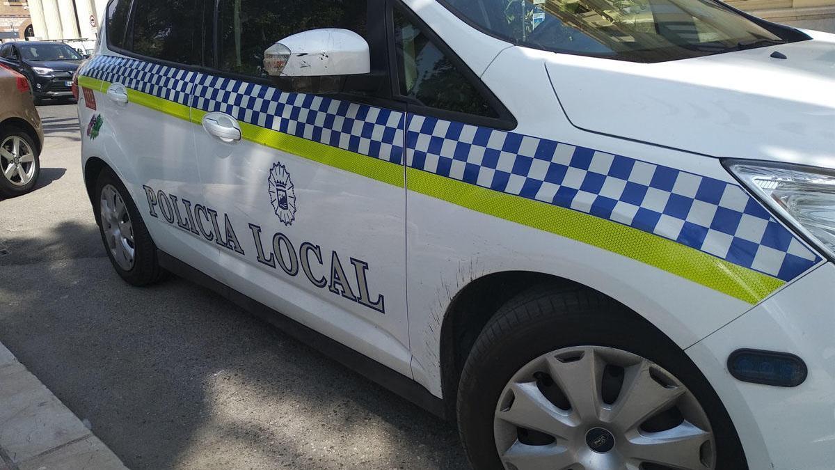 Radiopatrulla de la Policía Local. l.o.