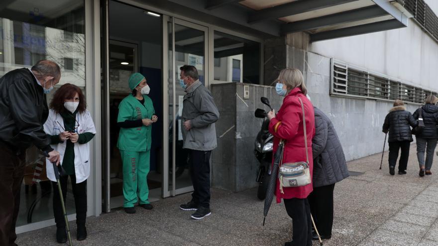 """Los vecinos se oponen a cerrar centros de salud por la tarde: """"Es un disparate"""""""