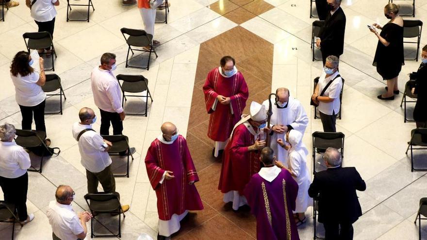 La Generalitat expendientará a la Iglesia por la misa a las víctimas del coronavirus