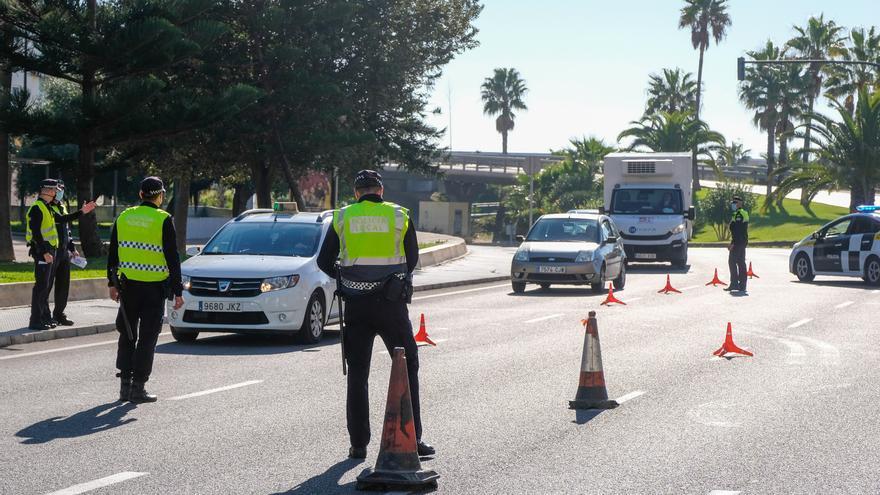 Detienen en Cádiz a un conductor que cuadriplicaba la tasa de alcoholemia con su hijo menor a bordo