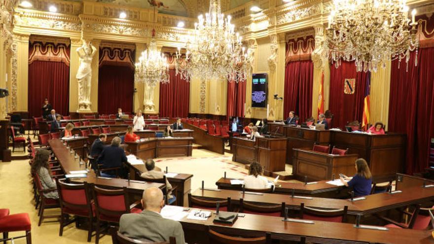 Niederlage im Balearen-Parlament: Bauförderung wird nicht als Eildekret beschlossen