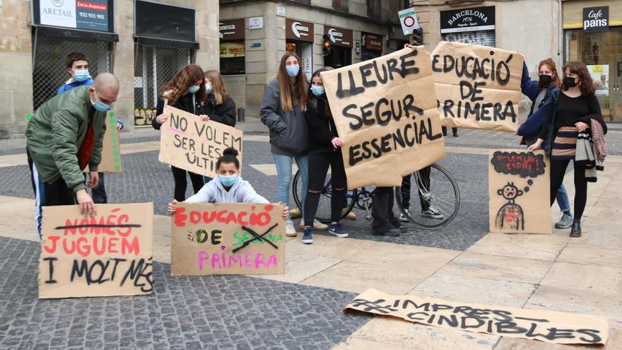 Els esplais reivindiquen amb protestes que són essencials