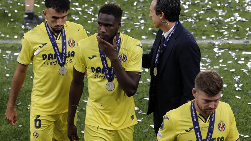 El Villarreal vuelve de Belfast con honores de campeón pero sin copa