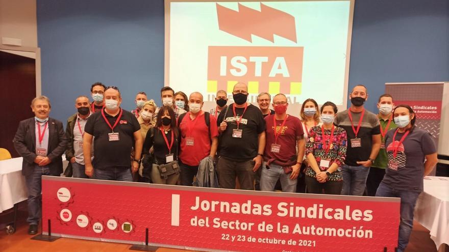 Los sindicatos piden en Zaragoza poner fin al modelo de automoción de beneficios millonarios