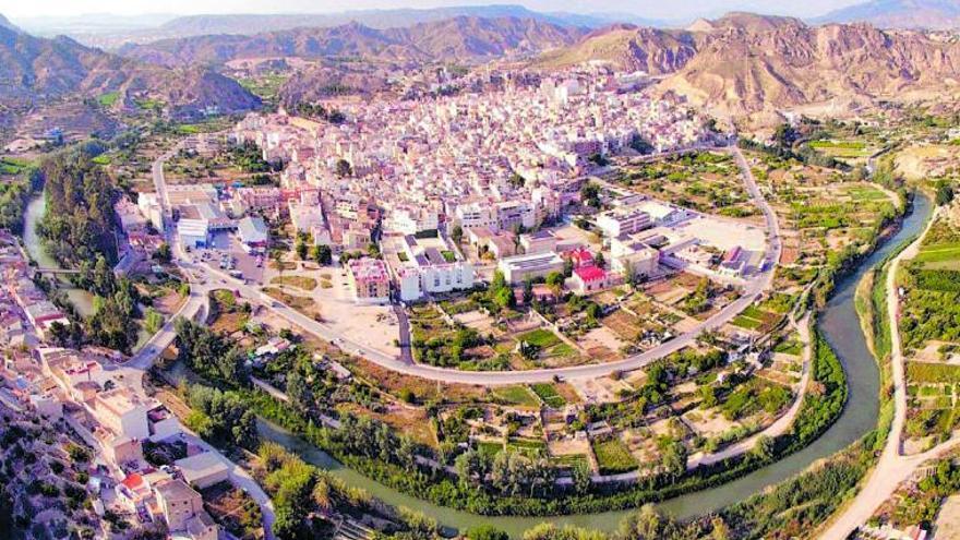 La distancia entre la renta más alta y la más baja de la Región crece más de 700 euros en un año