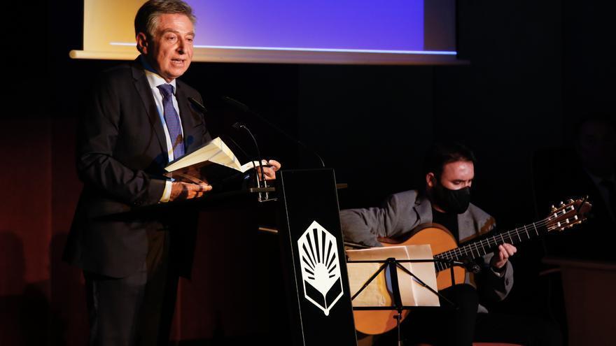 Nuevo libro de Sánchez Zamorano: Versos al compás de una guitarra