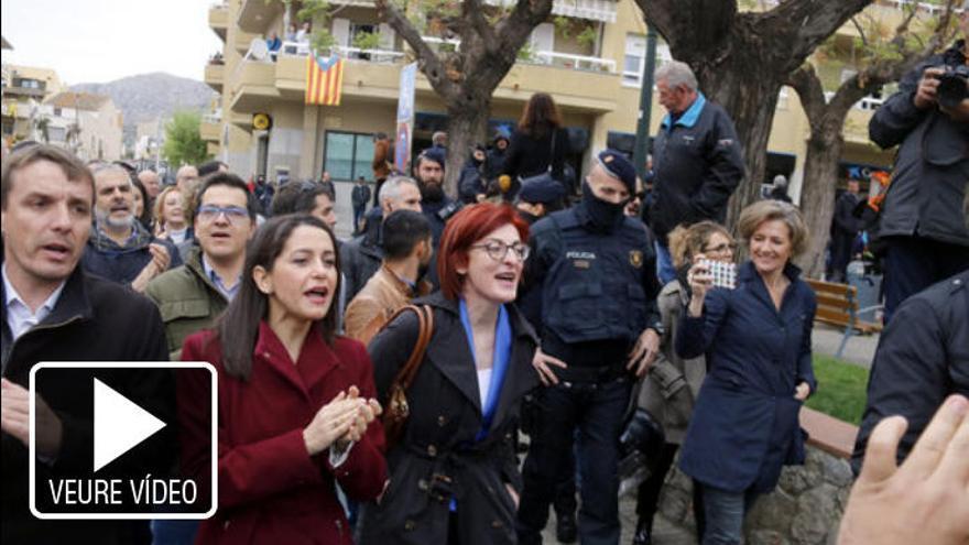 Escridassen Arrimadas a Torroella de Montgrí: «Fora feixistes de l'Empordà»