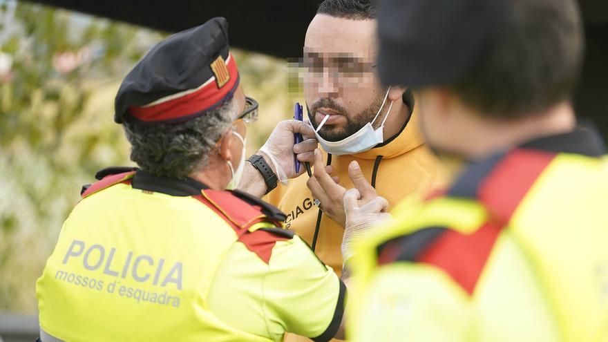 Cinc persones denunciades penalment per conduir sota els efectes de l'alcohol a Girona