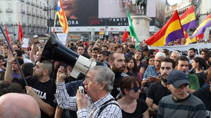 Càrrega policial i almenys un detingut a la concentració en favor del dret a decidir de la Puerta del Sol de Madrid
