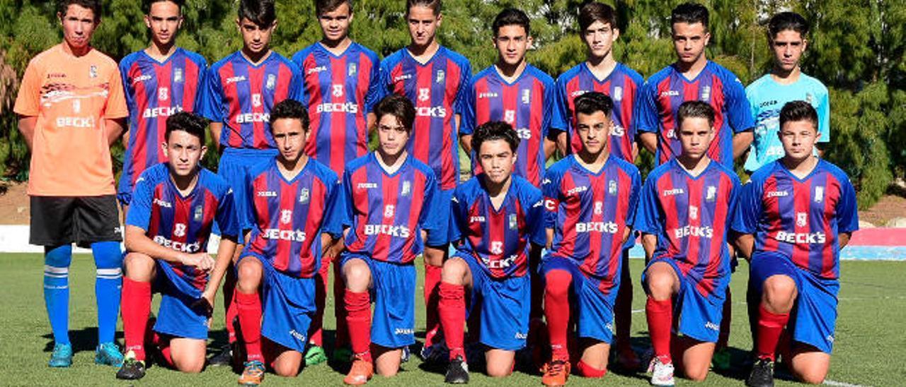 Estos son los jugadores de Ingenio en el campo de El Doctoral, en partido importante del grupo VI.