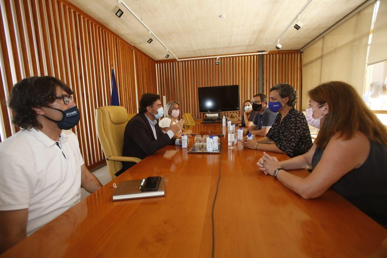 El bipartito de Alicante ofrece al ocio y la hostelería extender las exenciones fiscales y ampliar las terrazas