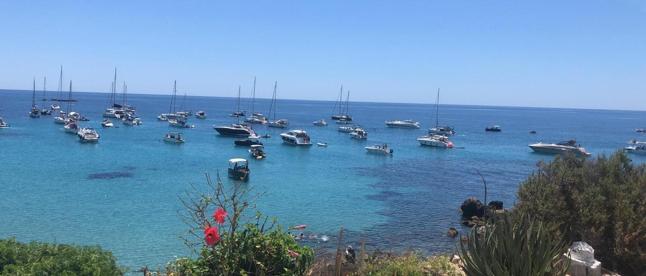 La isla de Tabarca enviará sus aguas residuales a Santa Pola para su depuración