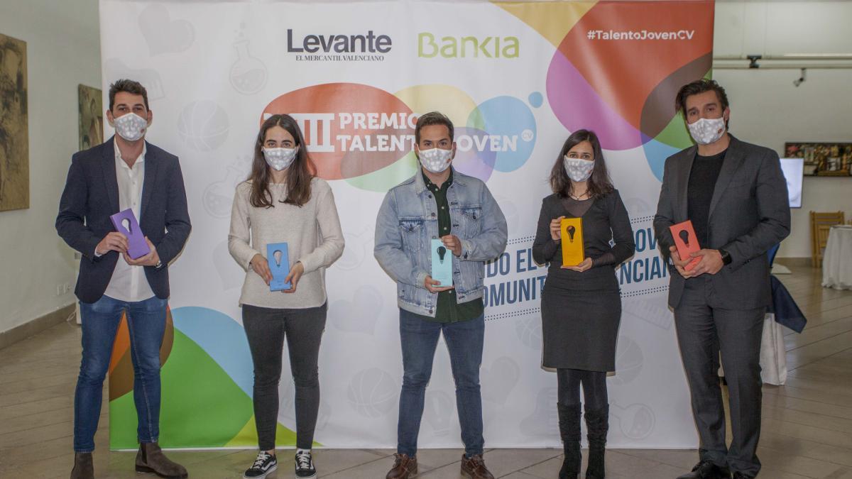 Jose Bonafont, Victoria Díez, Adrián Ferrer, Paula Llorens y Rafael Mas, los ganadores de Talento Joven.