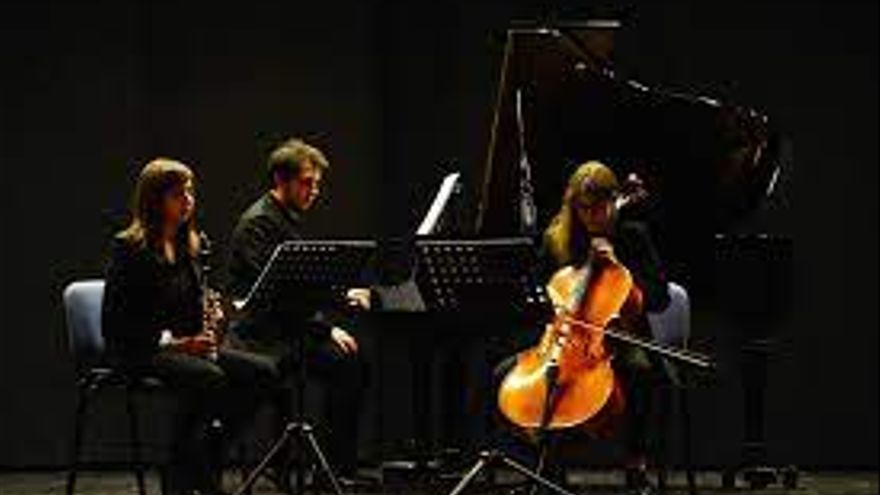 Akram Trio