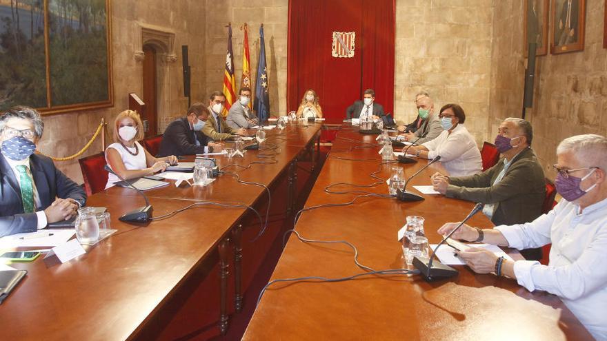 El Gobierno y los agentes sociales ponen fecha a la prórroga de los ERTE: hasta el 31 de mayo