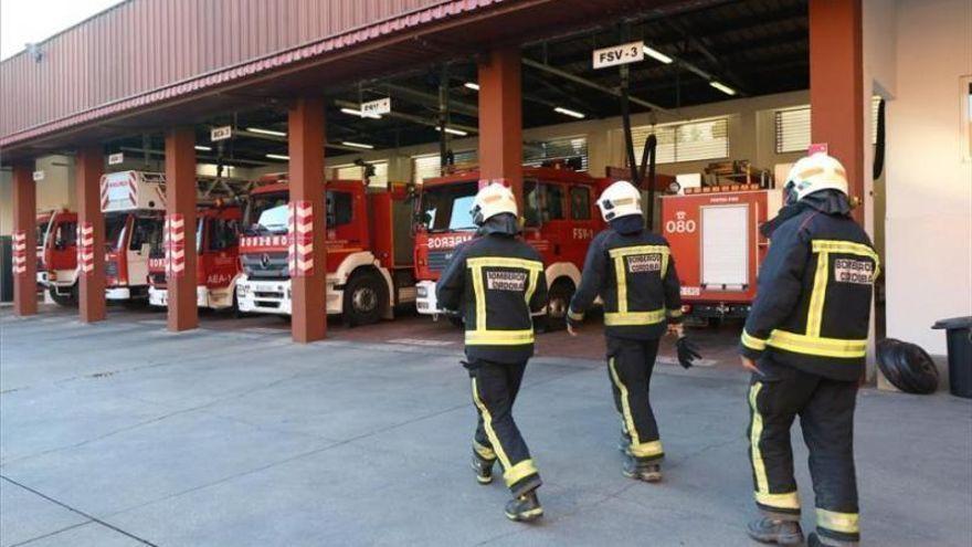 Los bomberos sofocan un incendio en un piso de estudiantes de Ciudad Jardín en Córdoba