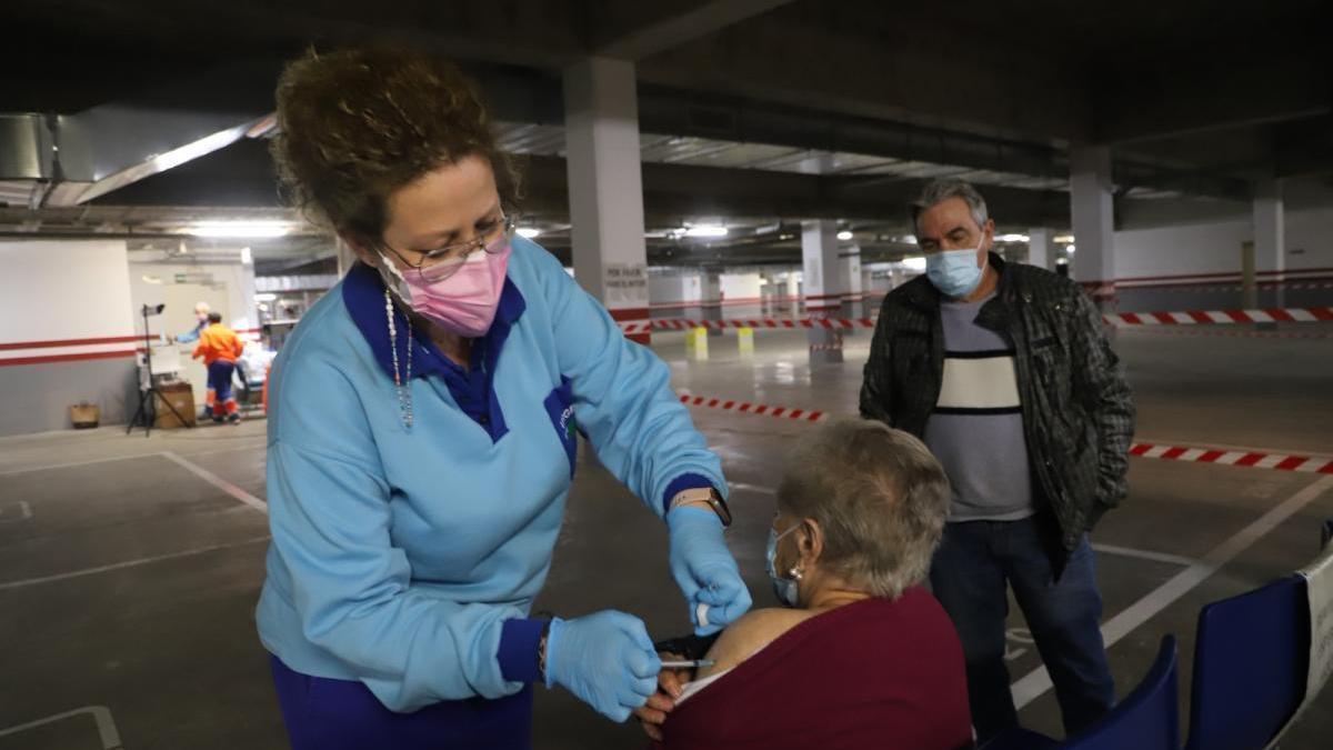 Salud habilitará en Córdoba 25 puntos fijos, 8 móviles y 17 en centros para la vacunación masiva