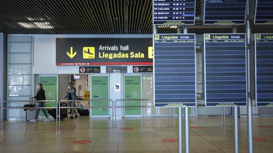 Canarias es la segunda autonomía de España con más casos de Covid-19 importados del extranjero