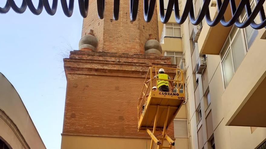 Urbanismo coloca una red bajo la chimenea de la Malagueta