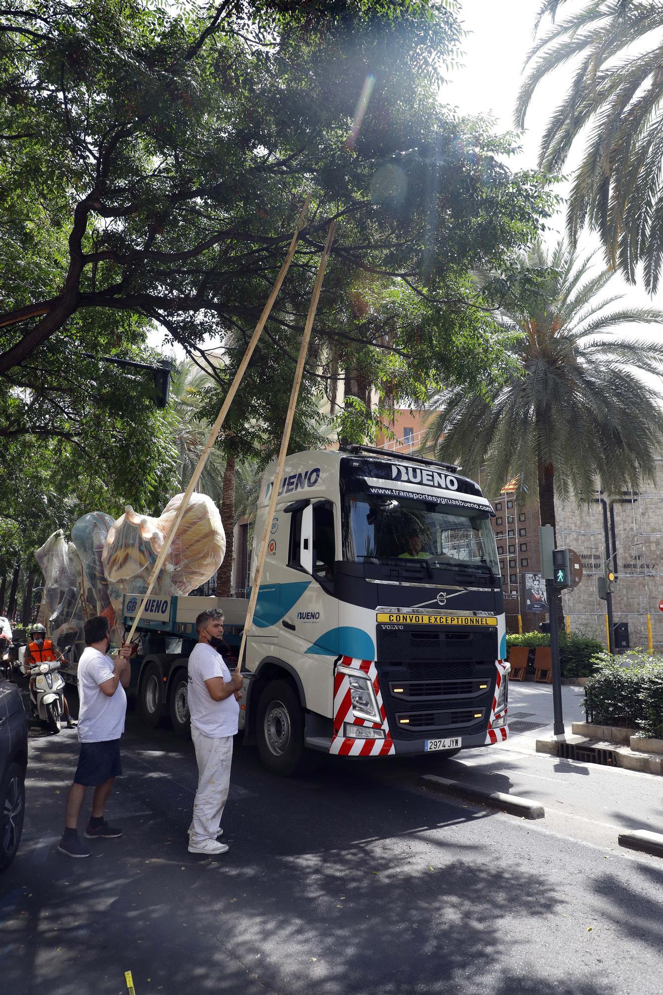 Reino de València-Duque de Calabria recupera su falla destruida por el fuego