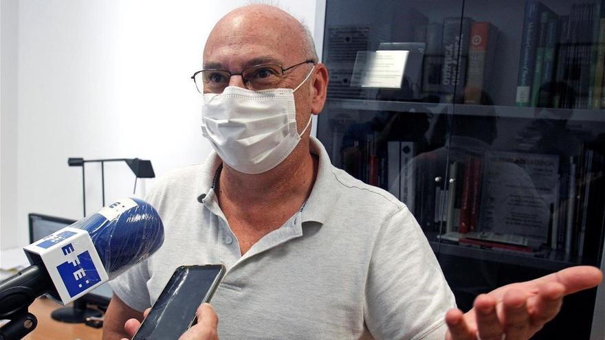 """Francis Mojica: """"El Nobel habría dado un gran empuje a la investigación de España"""""""