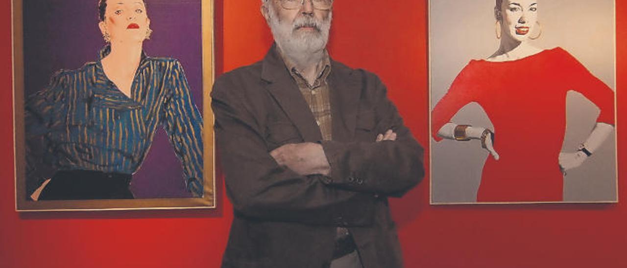 Alejandro Reino en su última exposición en el Fundación Mapfre Guanarteme.