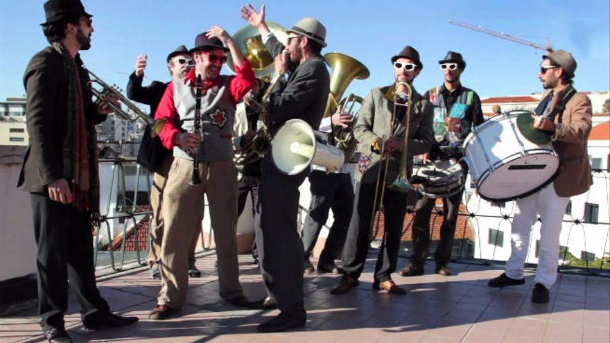 La banda lusa Kumpania Algazarra y los suecos Movits estarán en El Cotillo