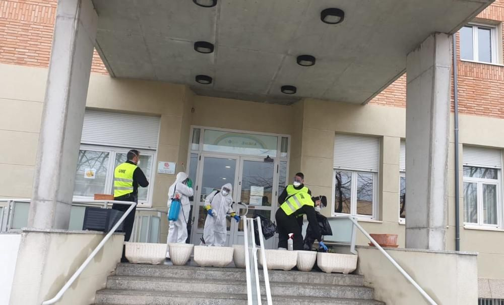La UME desinfecta las residencias de Zamora.