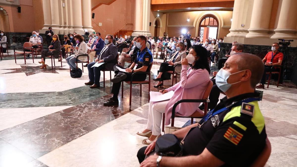 La DGA organizó una jornada informativa a los 32 municipios con policía local que pueden sumarse al sistema Viogén.