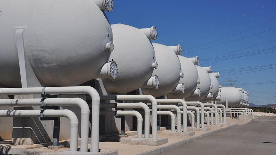 Vecinos de Sagunt exigen más transparencia en el proyecto de la desalinizadora