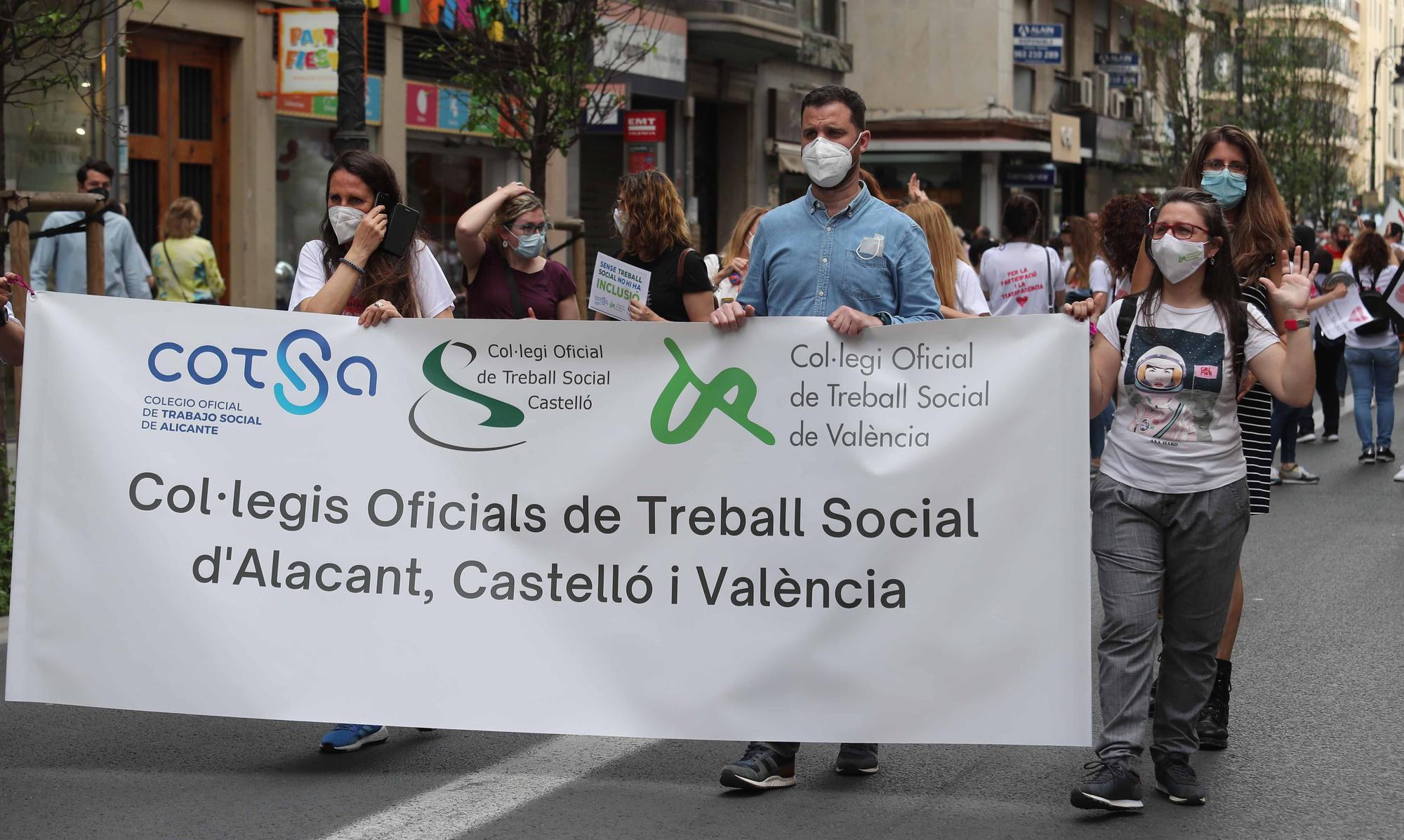 """Protesta en València contra el """"desmantelamiento"""" de los SPES y reclama """"diálogo"""" a Educación"""