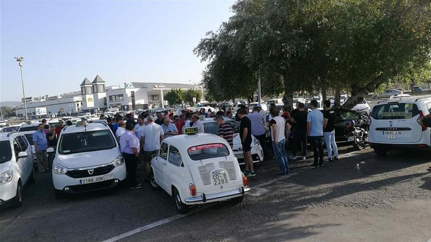 El Ayuntamiento apoya las reivindicaciones del sector del taxi